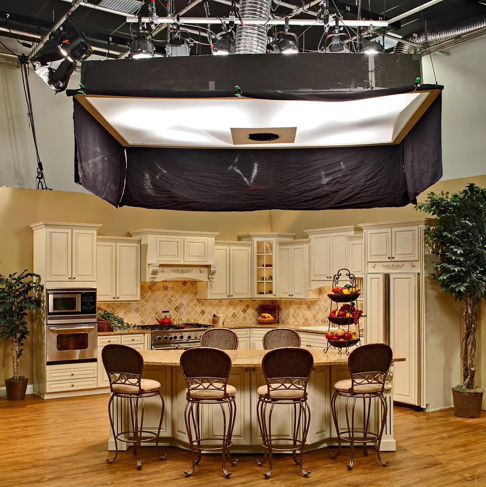 IMG_2710 to16 DB TriStar (Kitchen set up