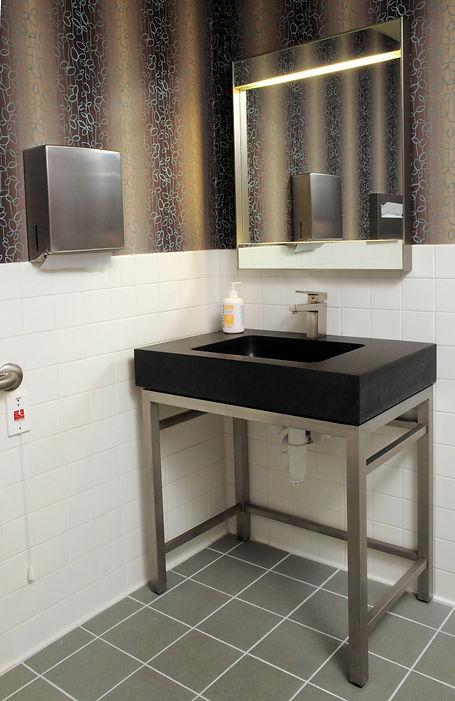Bathroom 2 r.jpg