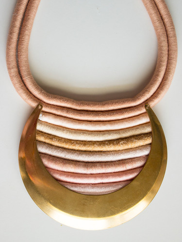 Lunar Eclipse Peach Gradient Collar
