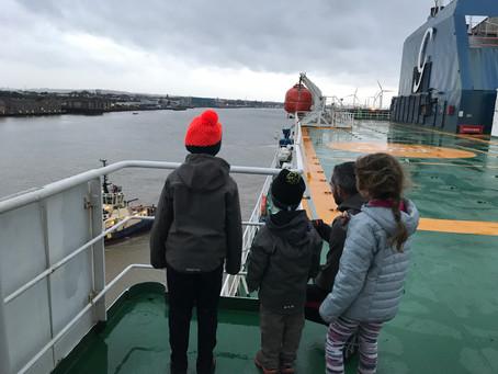 La vie à Bord du Cargo et première escale !