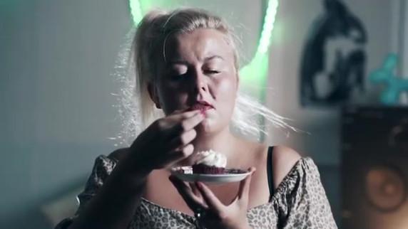Chilè - Au Petit Déjeuner (Official Video) clip