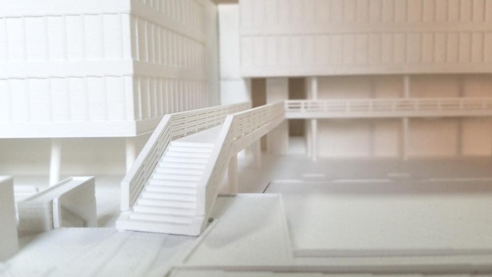 Detalles de una pasarela, elaborada a base a planos e impresa en 3D. Se mantienen las medidas a la escala necesaria