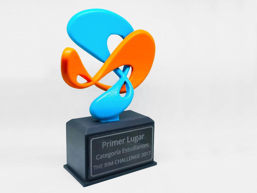 Acabado Pintado: Permite la mayor variedad de colores en trofeos impresos en 3D