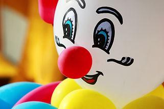 Красочный воздушный шар clownb