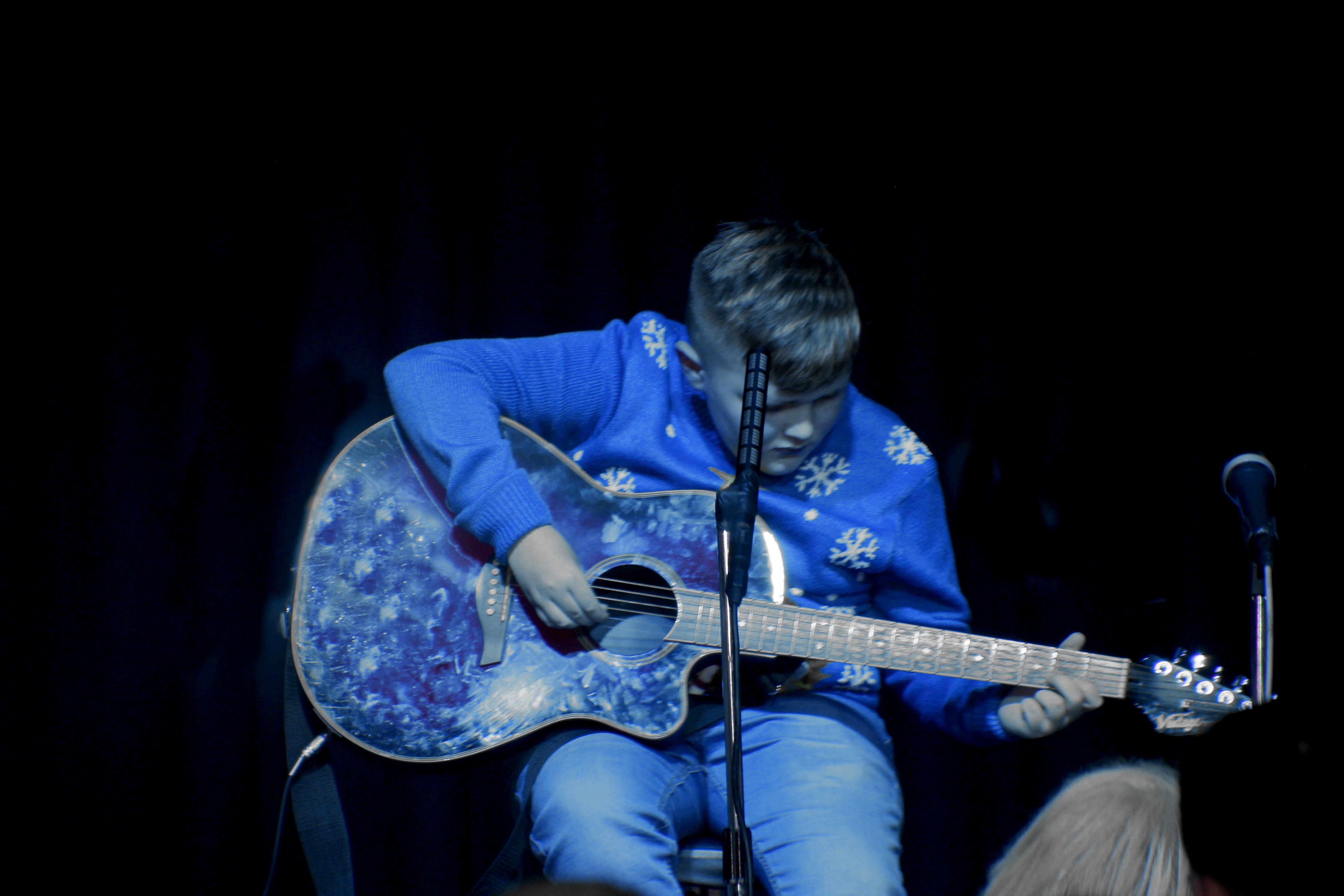 LIS Guitar Cameron