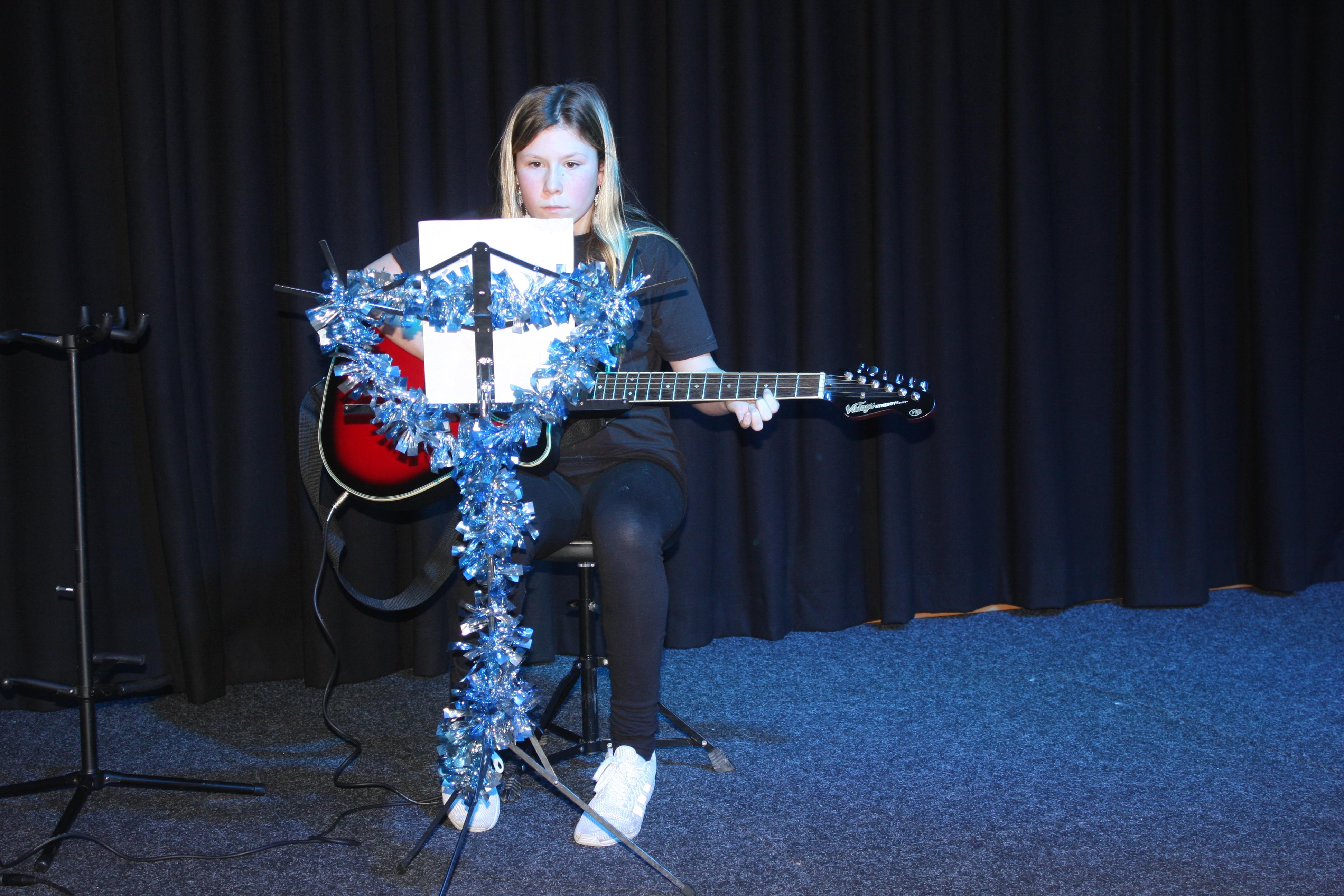 LIS Guitar Ella 3