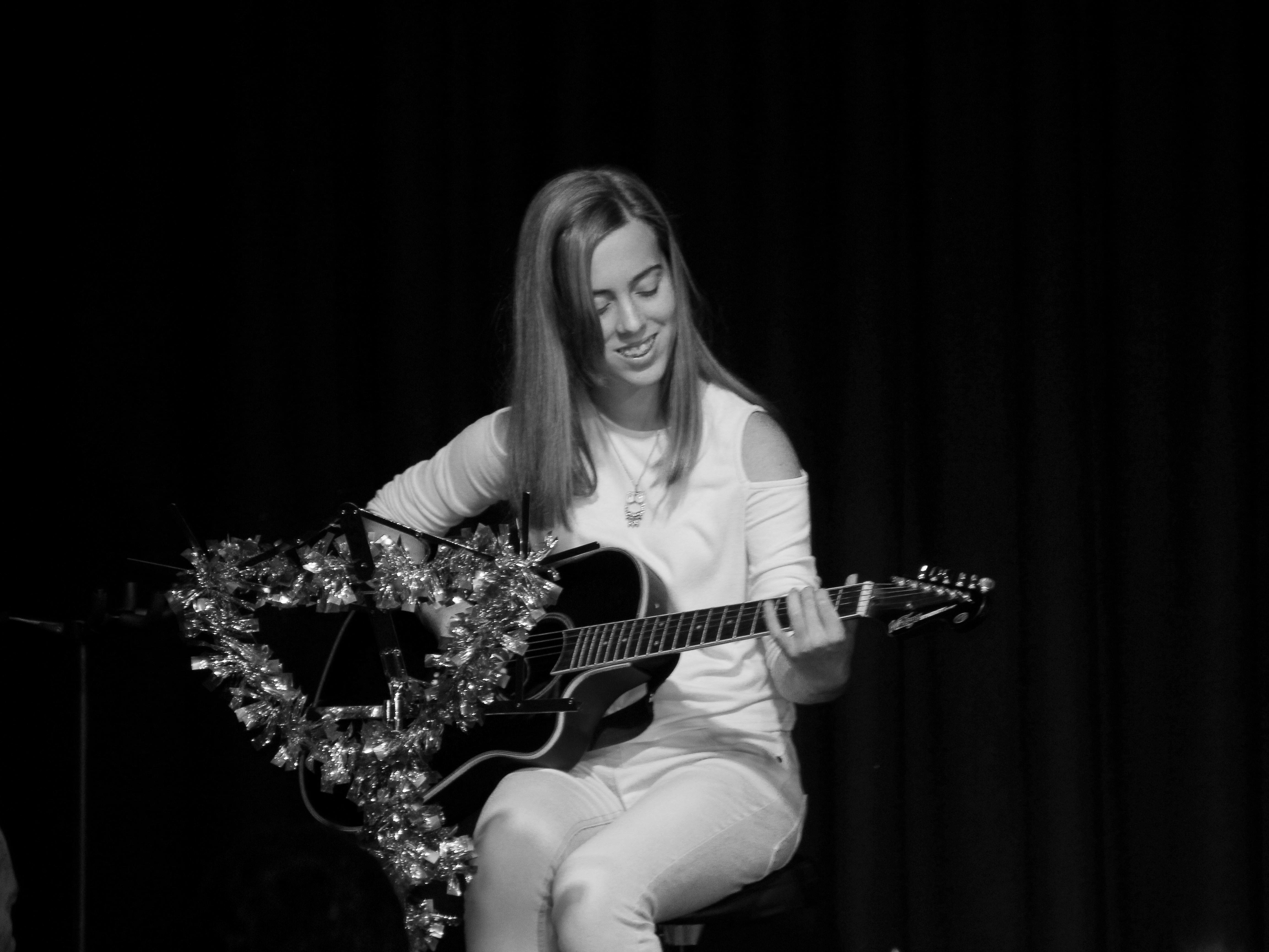 LIS Guitar Amber