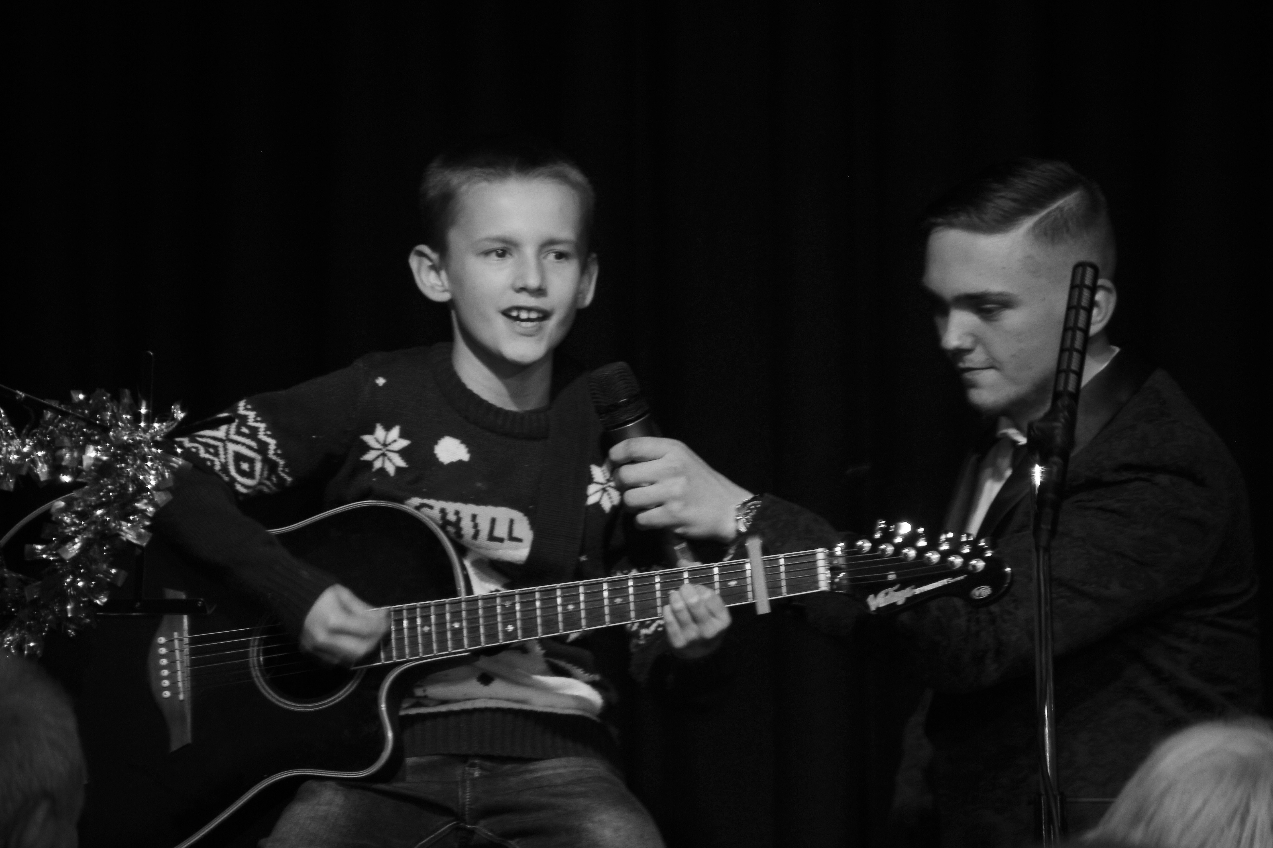 LIS Guitar Josh 4
