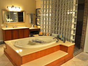 Bathroomglassblock.jpg