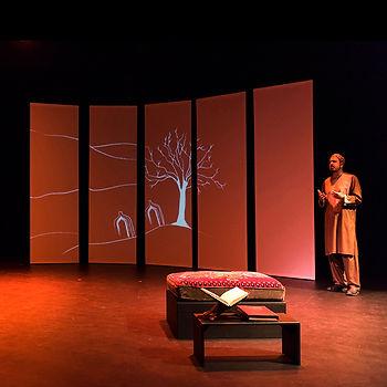 Mia Holton projection design Layla Majnun