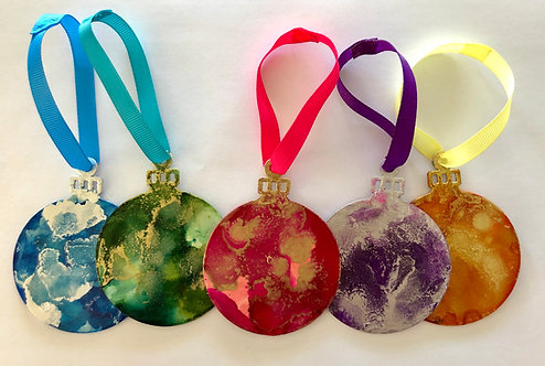 Coloured bauble set