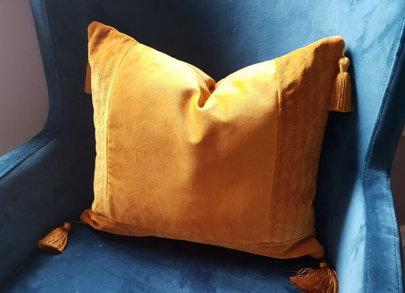 Y Border stitch Tassel  Cushion Cover