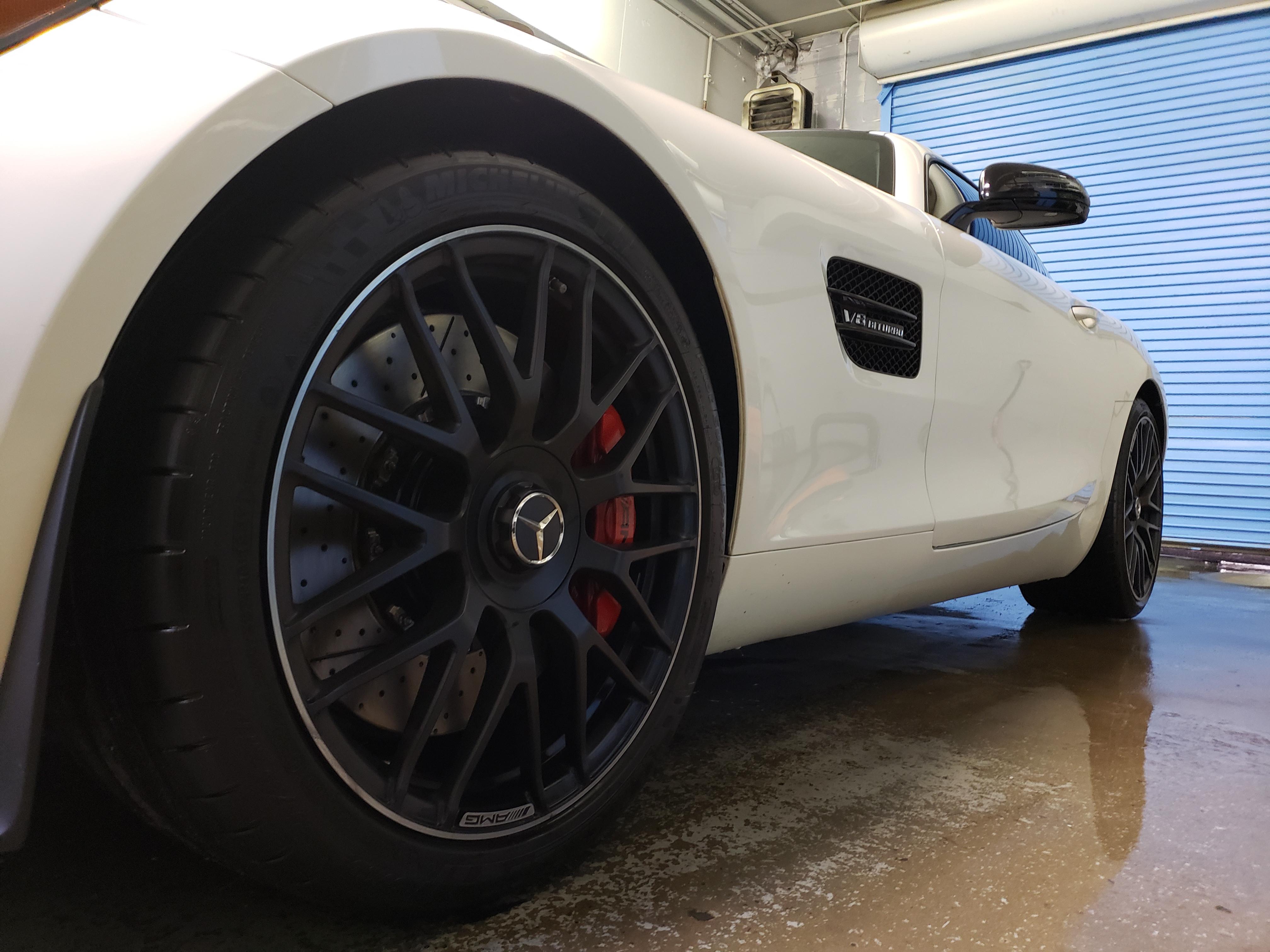 Showroom Detail Car