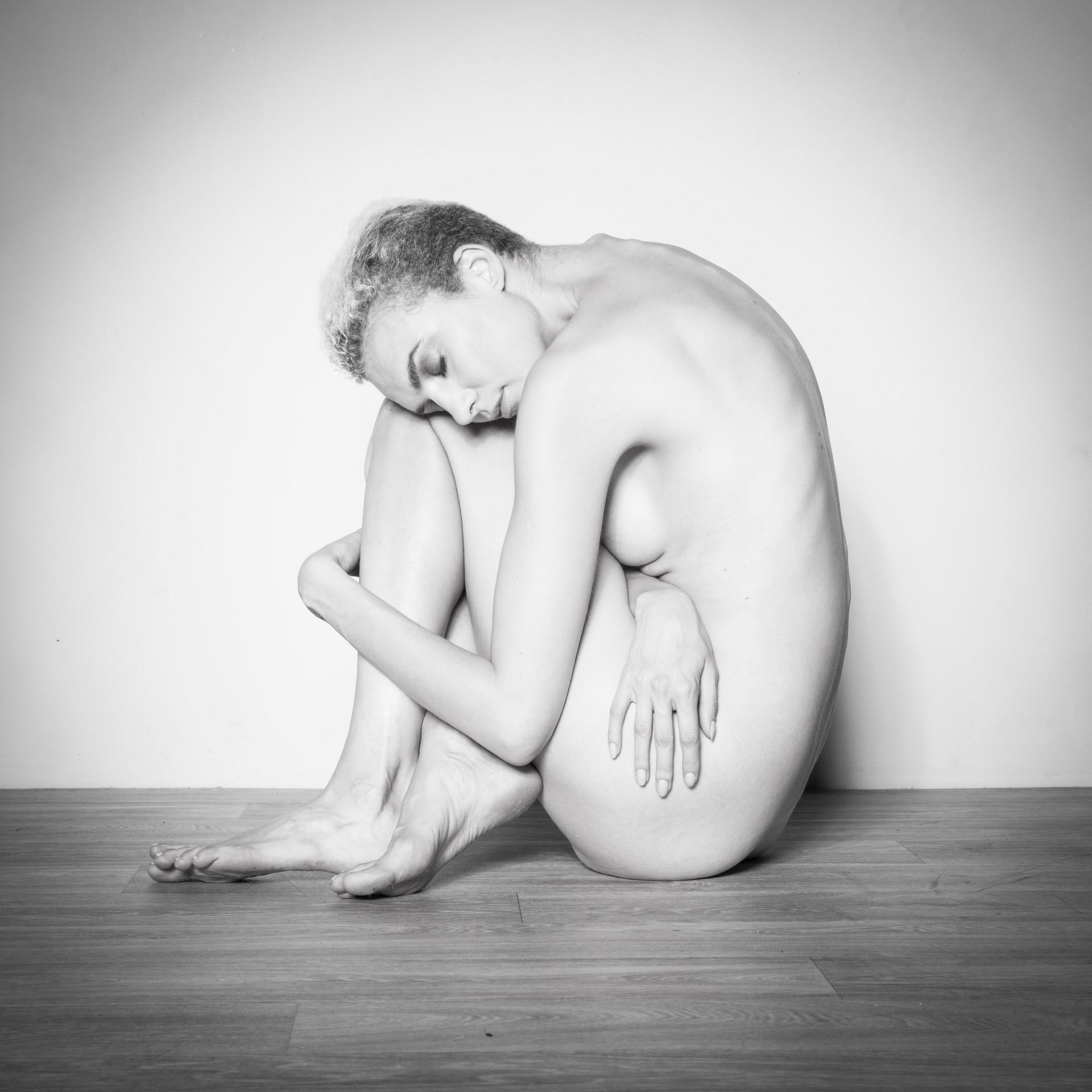 akt nude bonn