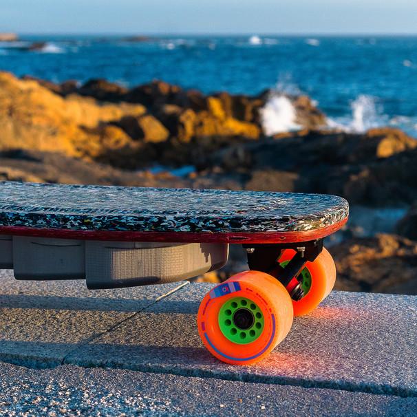 P.E.T E-Skateboard
