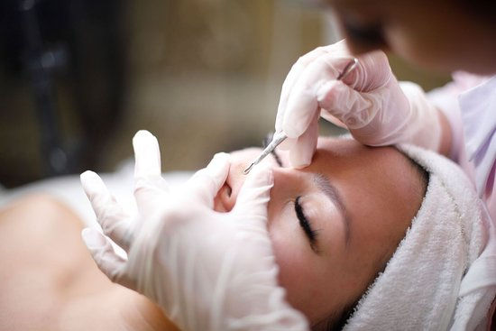 facial-extractions-for.jpg