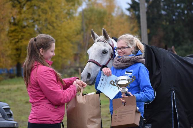 Annabel ja Nilsson ox Eesti kestvusratsutamise tipus