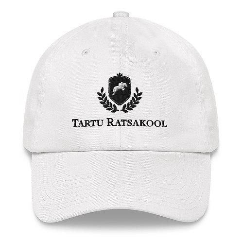Musta logoga Tartu Ratsakooli nokamüts