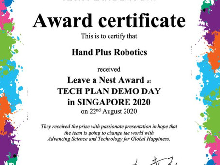 Hand Plus wins the Leave A Nest Award at Tech Planter Demo Day Singapore