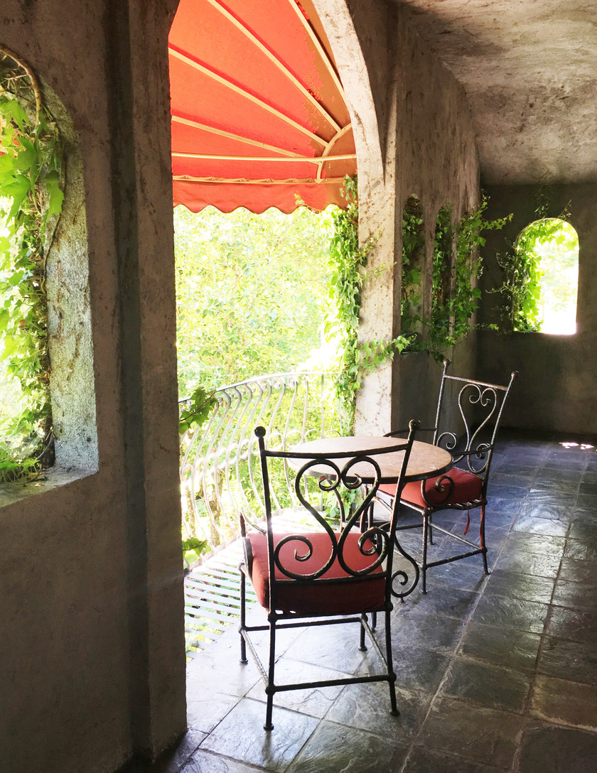 tuscan stule balcony at the kenwood inn and spa