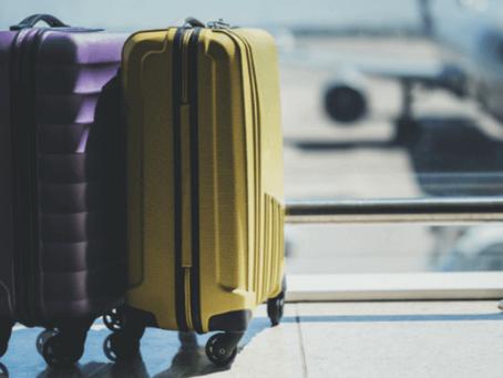 Companhia aérea é condenada a indenizar casal por extravio de bagagem