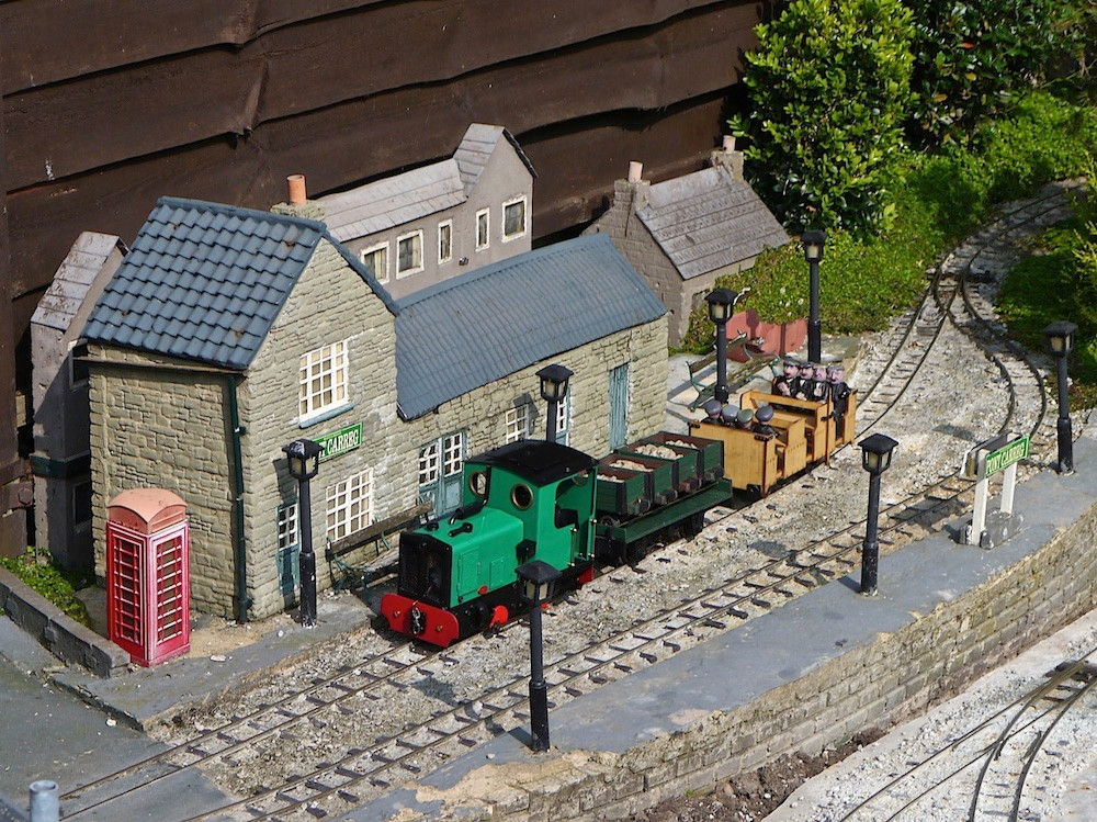 THE MADOG AND MERSEY RAILWAY