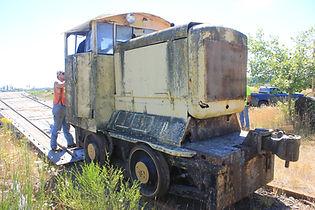 Work party- Danvenport locomotive 007.JP