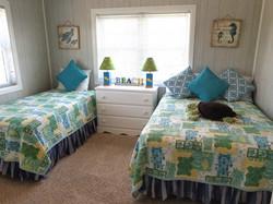 E-turtle bedroom