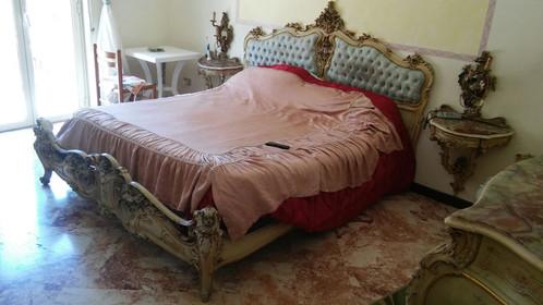 camera da letto stile veneziano completa