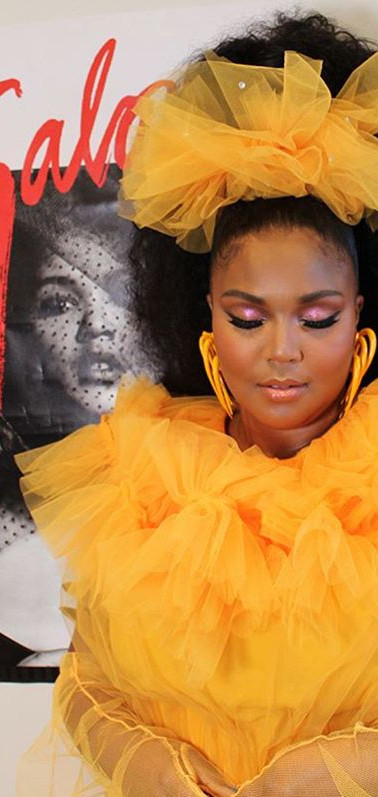 Lizzo tulle gloves