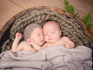 Tweeling newborn fotografie fotoshoot Mechelen