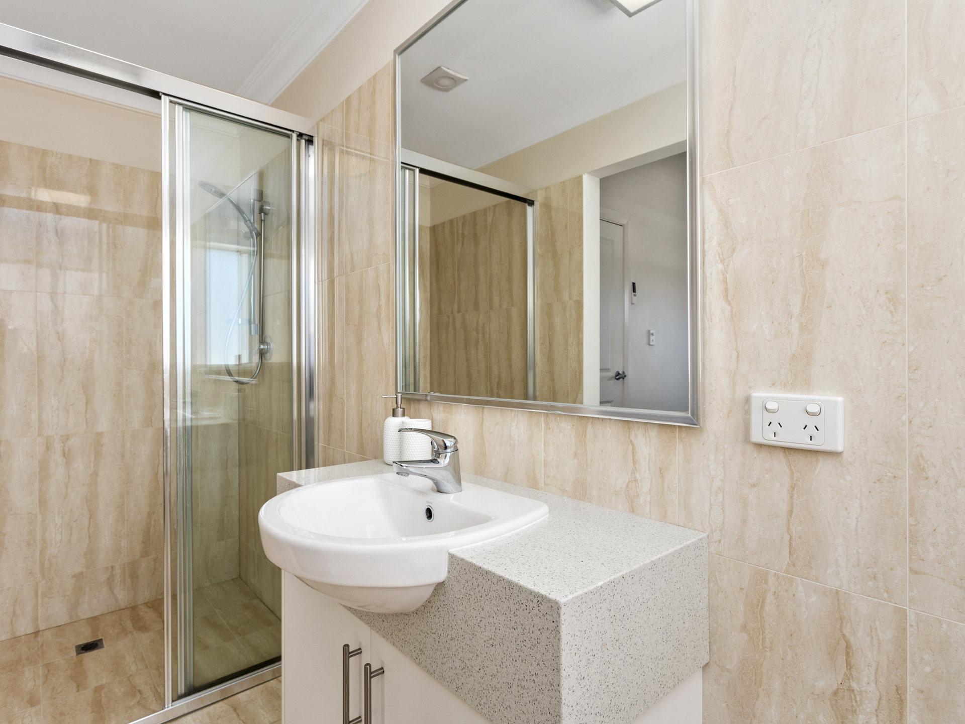 Room 6 Forrest St Bathroom