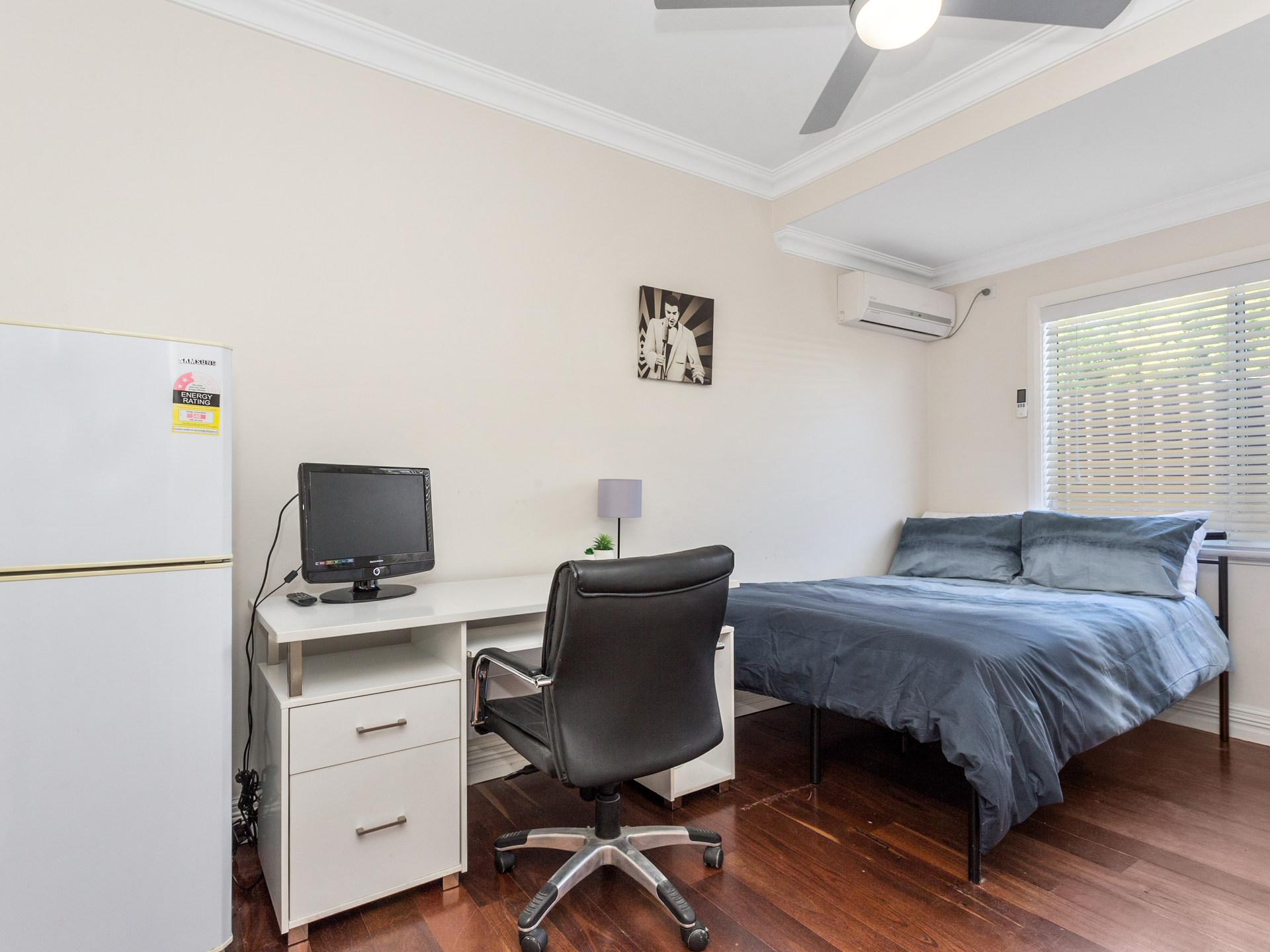 Room 1 Forrest St