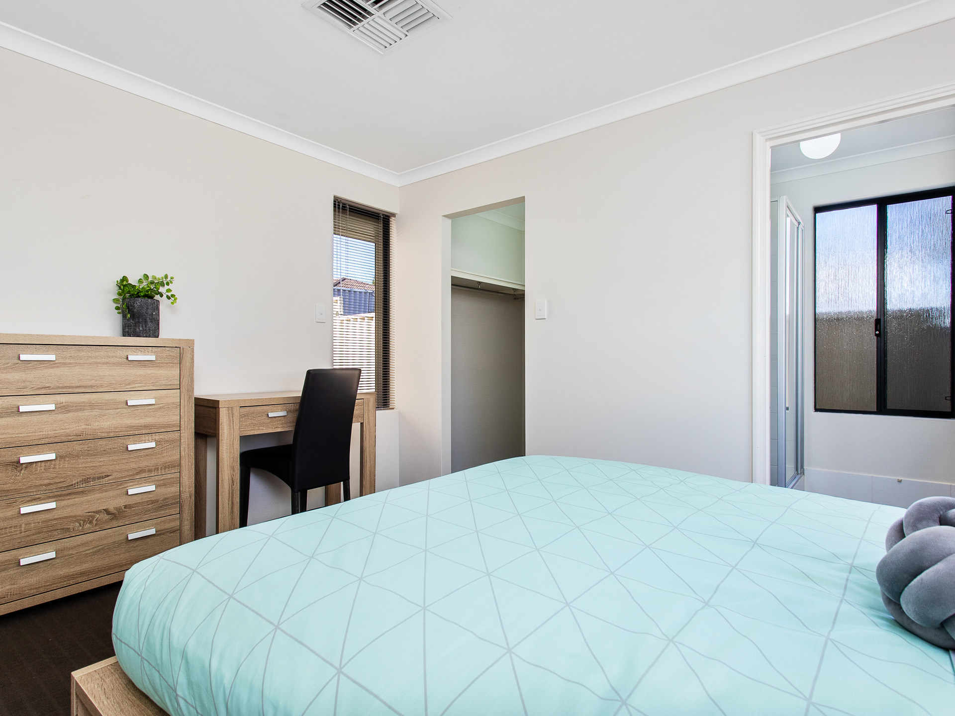 Room 1 Rockingham Spearwood