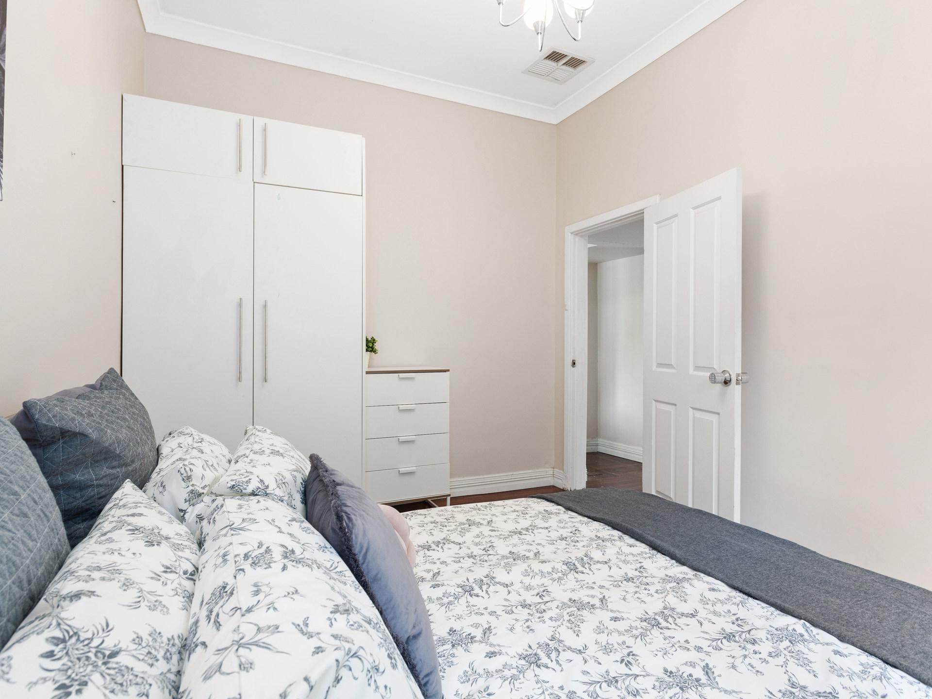 ROOM 2 Guildford Road, Bayswater 07
