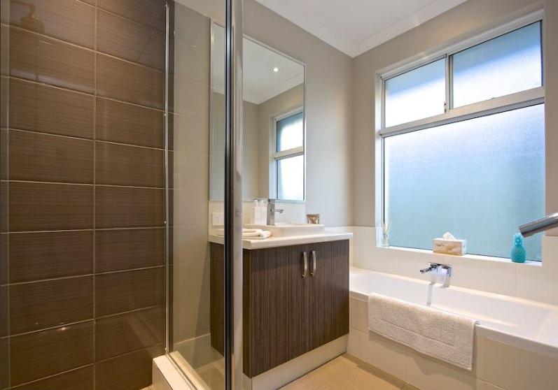 2 3 4 Bathroom Juncea