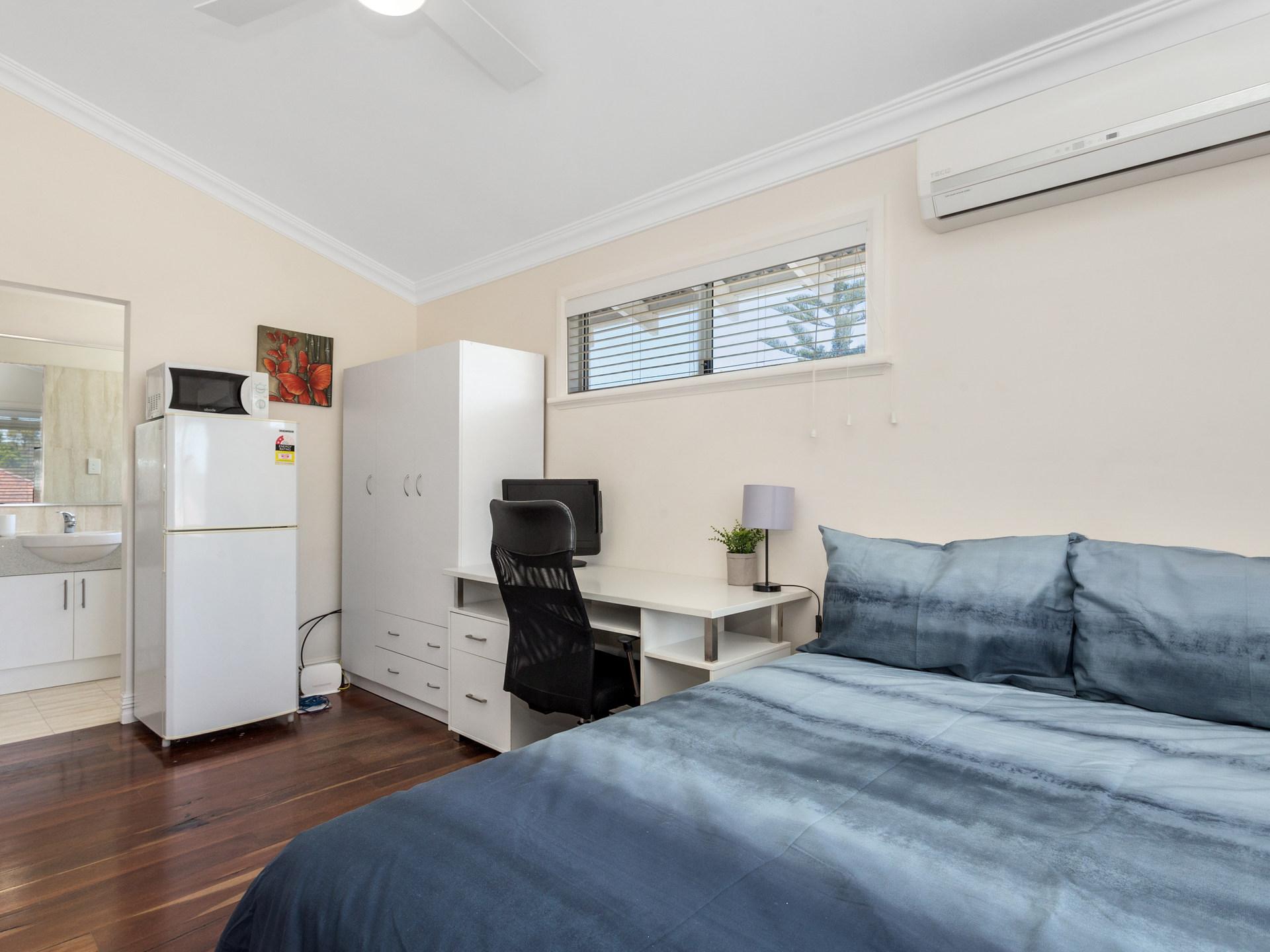 Room 5 Forrest St