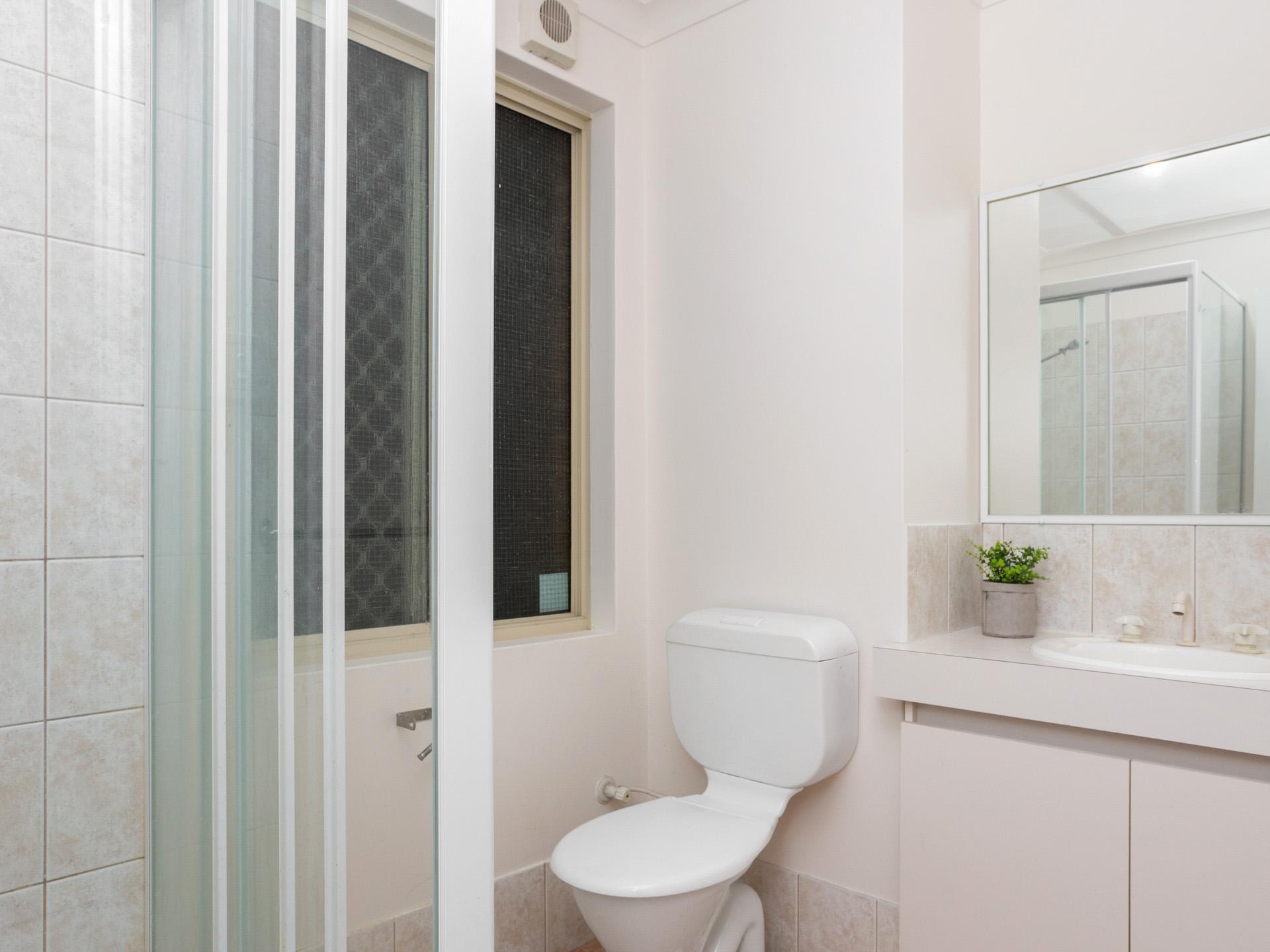 Room 1 2 3 4 5 Duncan Bath (2)