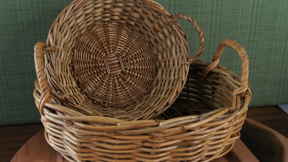 Set of 2 baskets, round and oval, with handles