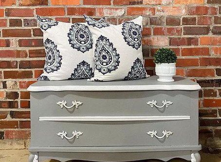 How to Paint a Piece of Furniture