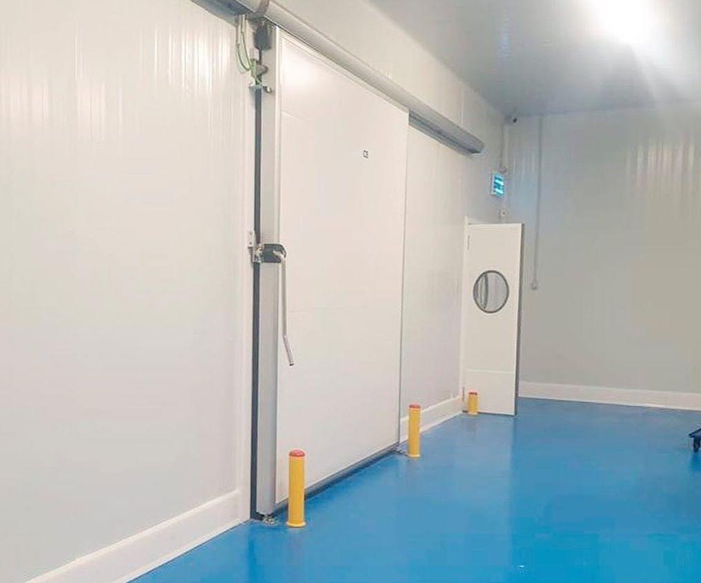 דלת הזזה חדר קירור (3)