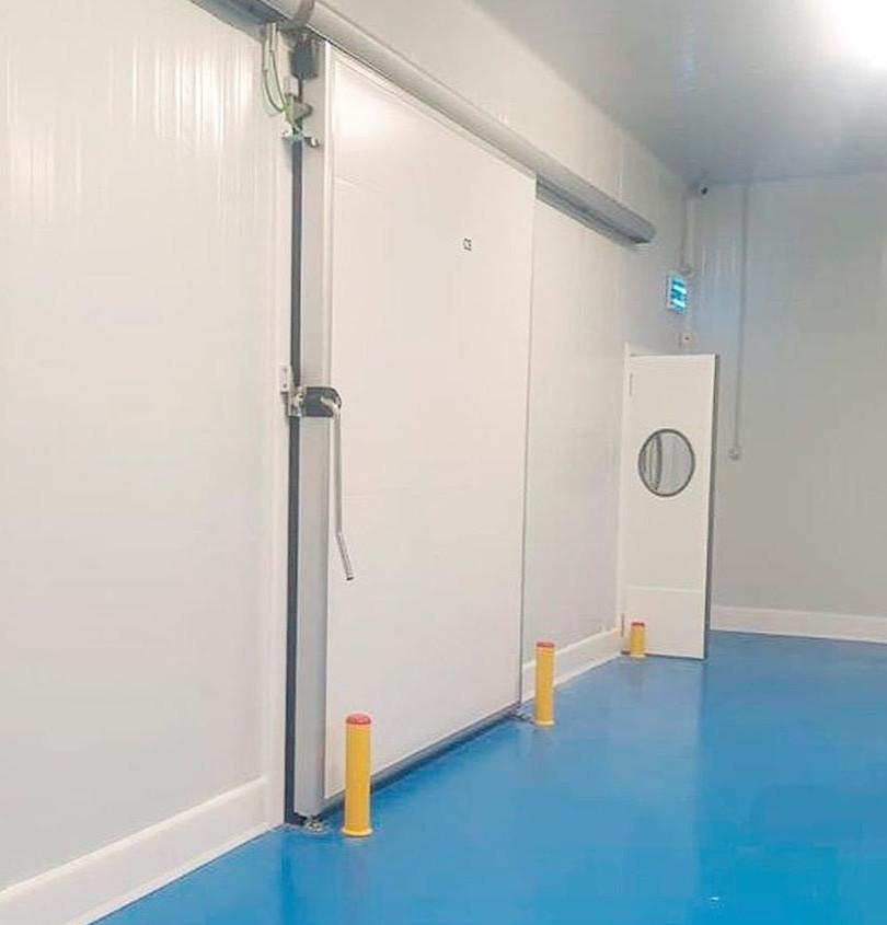 דלת הזזה חדר קירור (3).jpg