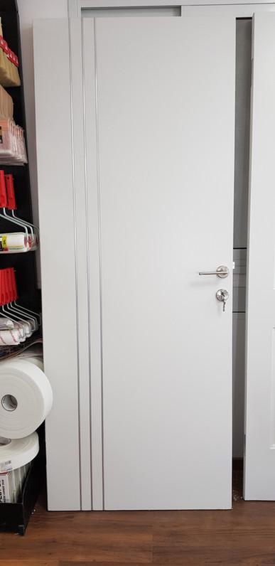 דלת סטנלי כולל משקוף לפנלים מבודדים