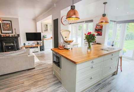 Howdens kitchen with oak worktops