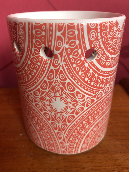 Red Patterned Wax Burner plus a pack of soy wax melts