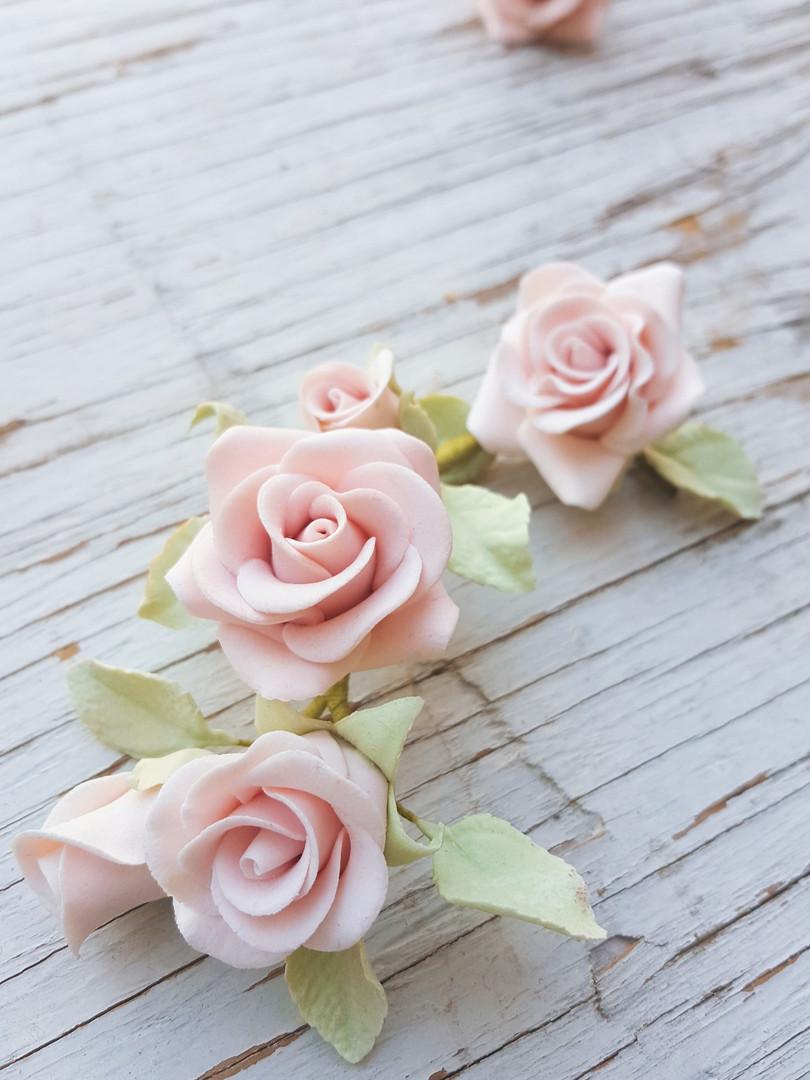 Curso Básico de Flores en pasta goma online