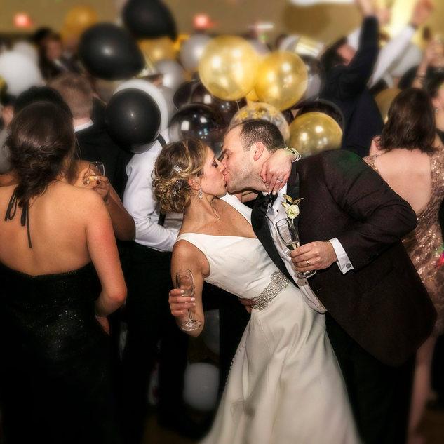 Grand Geneva Wedding balloon Drop
