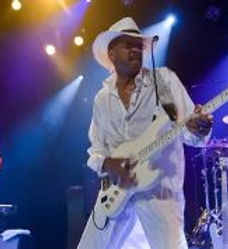 Larry Graham and GCS 1.jpg