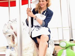הפקת אופנה לקראת פורים:  אליס, נמל ומספריים