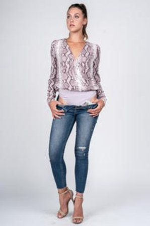 SNAKE PRINT CROSS OVER WHITE/PURPLE BODYSUIT